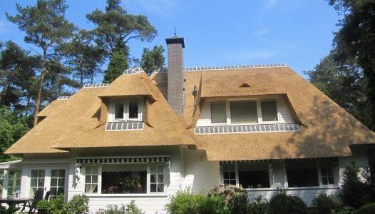 Woning van dakpannen naar riet